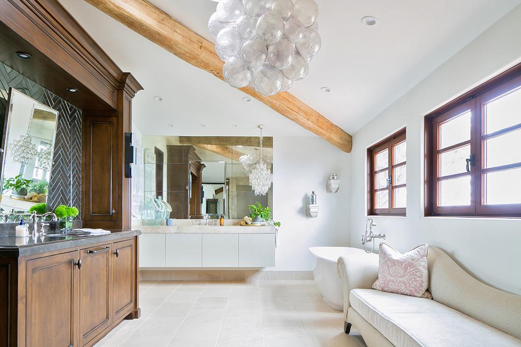 Bath Of The Year - San Diego Magazine - Grunow Construction - Image 01