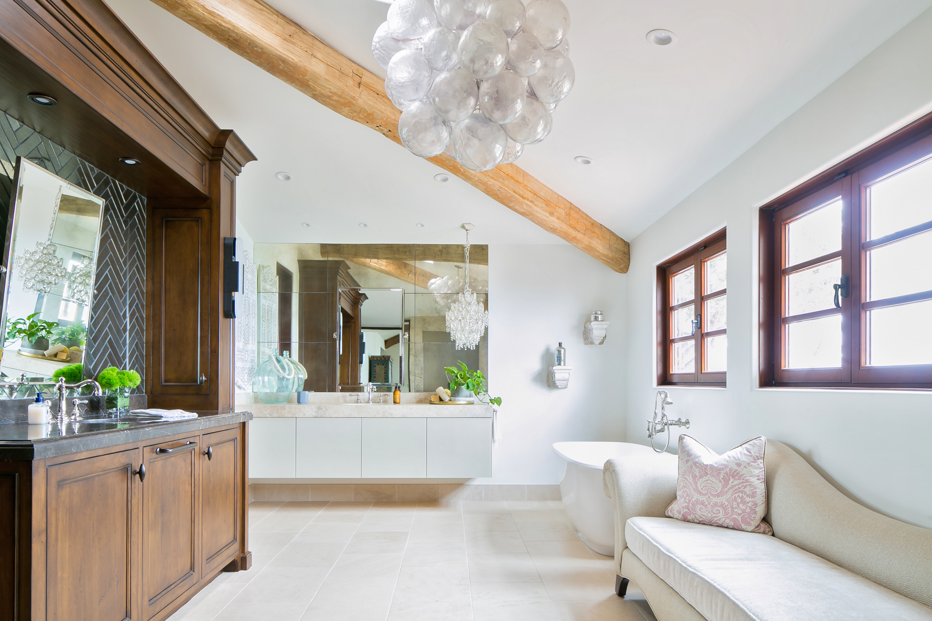 Bath Of The Year - San Diego Magazine - Grunow Construction - Image 01 Featured