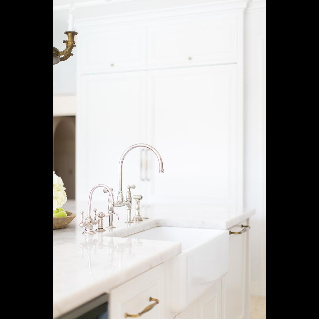 GCTK_Traditional_Kitchen_4_sink_plumbing_carpentry_1024w