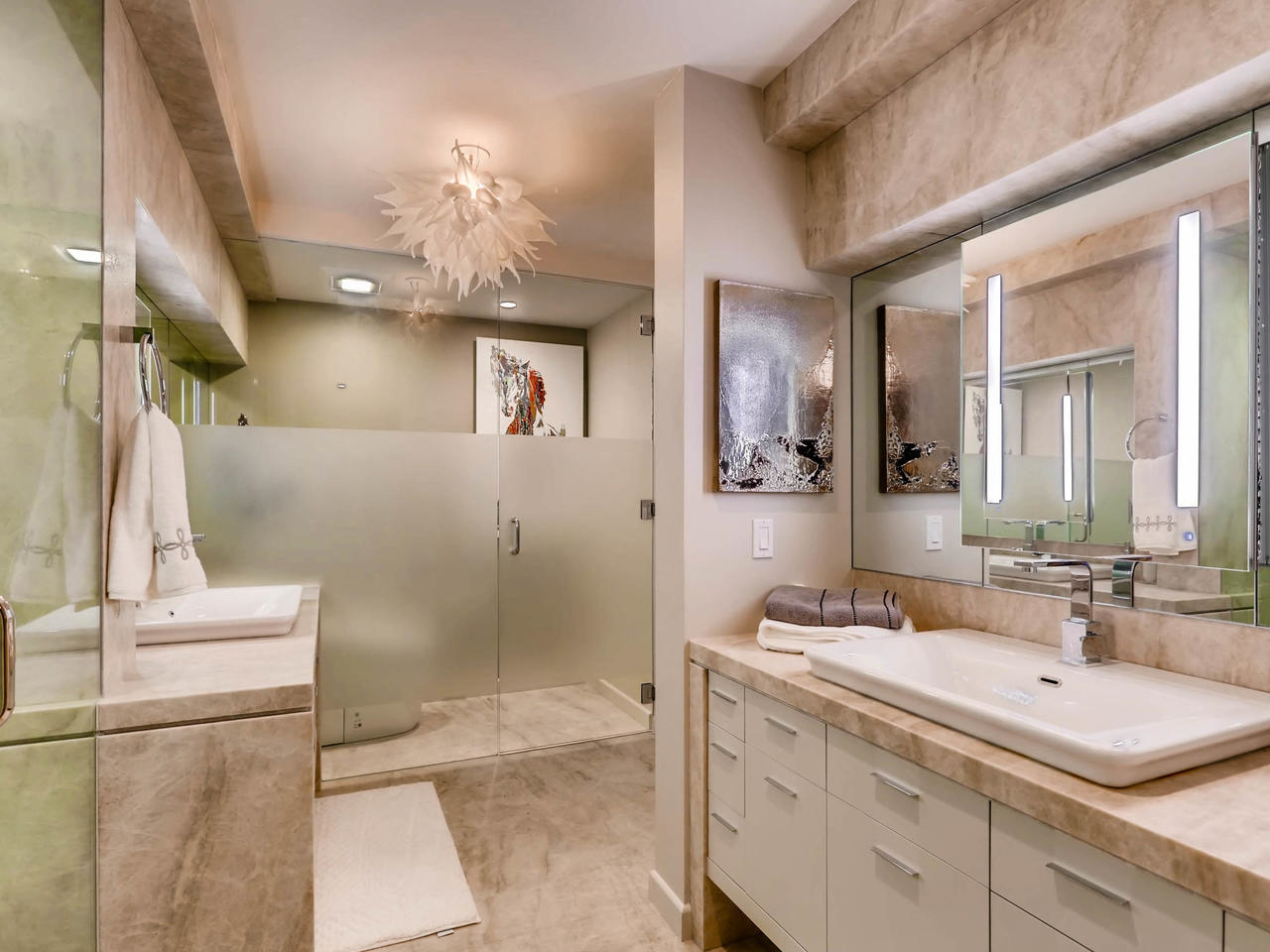 GCDM_Del_Mar_Beach_Front_Condo_9_modern_bathroom_1280